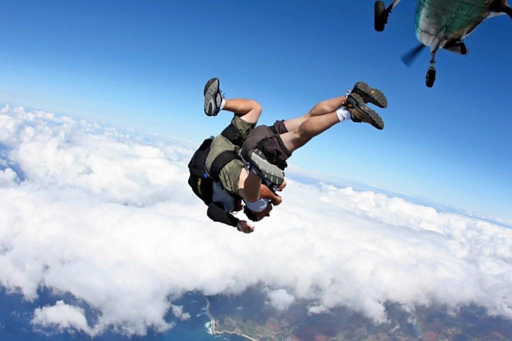 Skydiving in Belgarde